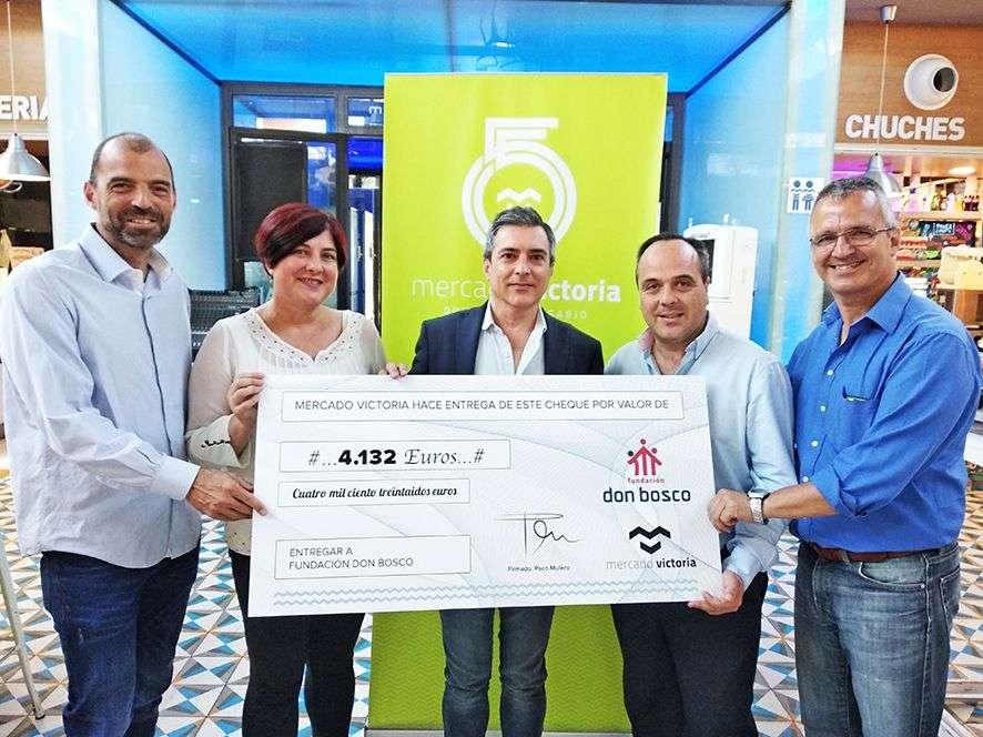 El Mercado Victoria entrega a la Fundación Don Bosco 4.132 euros para sus proyectos sociales